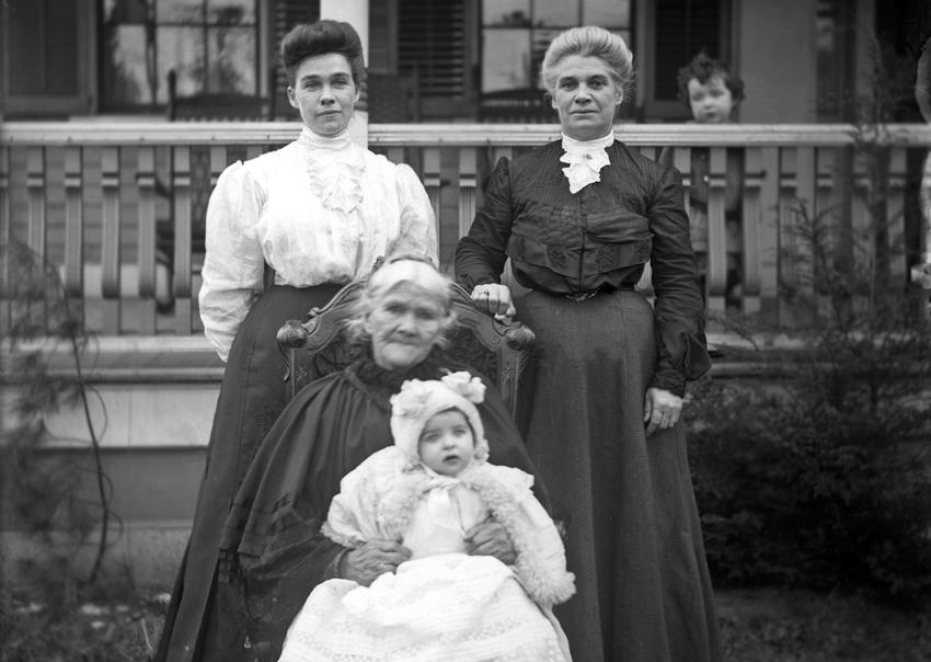 4 generations of women