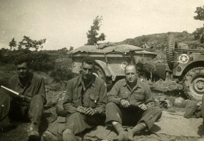 Frank Carmon (center), Italy, 1944
